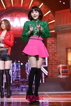 South Korean Girls, Korean Girl Groups, T Ara Eunjung, Soyeon, Pop Music, Lineup, Asian Girl, Mini Skirts, Punk