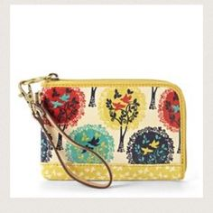 Fossil wristlet Fossil wristlet. Yellow with trees and birds. Toggle clasp that hooks on to a ring. 6.5 inches across. 4.25 inches high.excellent condition Fossil Bags Clutches & Wristlets