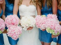 Bridesmaids Dresses & Bouquets