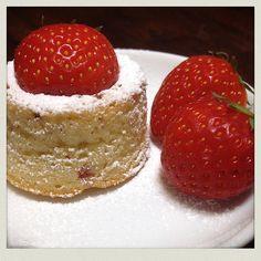 Mini Erdbeerkuchen #recipeontheblock #realfood #yummy #food #foodista #foodie #foodsnob #essen #follow #kidsfood #loveeating #eating #letseat #recipieoftheday #sweet Pasta, Mini, Cheesecake, Strawberry, Yummy Food, Fruit, Sweet, Desserts, Strawberry Pie