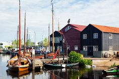 10 Nederlandse dorpen en kleine steden waar je geweest moet zijn. Elburg Gelderland In deze haven eet je een lekker visje!