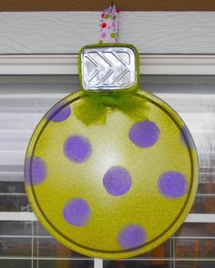 The Keeper of the Cheerios: Dollar Store Pizza Pan Christmas Ornament