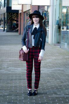 aaeadffd584a9 Leather jacket: HIDE label - Trousers and shoes: Primark - Ring: c/o Jon  Richard - Satchel: Dr. Martens - Blouse: Mango - Hat: H&M.