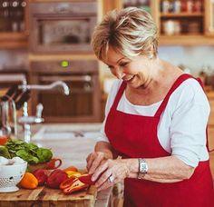 Ina Paarman | Home Beef Pies, Venison Pie, Basic Scones, Rusk Recipe, Pumpkin Fritters, Prawn Salad, Apricot Chicken, Vanilla Cake Mixes, Slow Roast