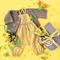 tricot layette beige et gris pour bébé, veste, bonnet, pyjamas - Marie Claire Idées
