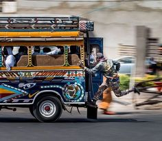 Catch that bus w/ @frederic.20h #dakarlives #senegal #Africa #tourism #travel #carrapide