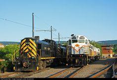 RailPictures.Net Photo: DL 2403 Delaware Lackawanna Alco C425 at Scranton, Pennsylvania by Lester Zmudzinski