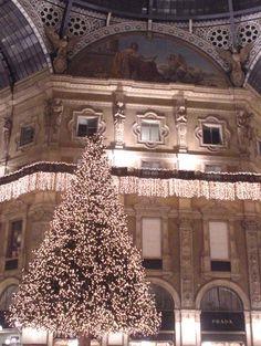 Christmas in Italy - La Galleria Vittorio Emanuele II di Milano ....
