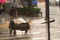 Seoul: Massive thunder and rain