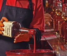 Kentucky Distillers Association Wine And Spirits, Fine Wine, Makers Mark, Whisky, Bourbon, Whiskey Bottle, Kentucky, Red Wine, Alcoholic Drinks