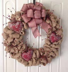 Primitive wreath ideas-I already have the burlap wreath :) Valentine Day Wreaths, Valentine Day Crafts, Valentine Decorations, Holiday Crafts, Christmas Wreaths, Holiday Decor, Fall Wreaths, Primitive Wreath, Primitive Crafts