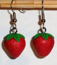 Ohrringe Erdbeere handgemacht aus Fimo Ohrschmuck Hänger Damen Modeschmuck Neuware