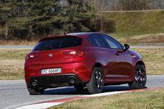 Галерея 2016 Alfa Romeo Giulietta. 30 свежих и актуальных фотографий. Пресс-релиз, рейтинг, заметки на тему 2016 Alfa Romeo Giulietta