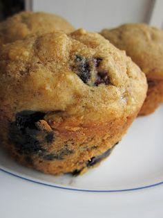 Life on Food: Bluebuerry Banana Yogurt Muffins