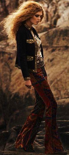 ╰☆╮Boho chic bohemian boho style hippy hippie chic bohème vibe gypsy fashion indie folk the . Gypsy Style, Hippie Style, Bohemian Style, My Style, Hippie Chick, Classic Style, Mode Hippie, Mode Boho, Hippie Bohemian