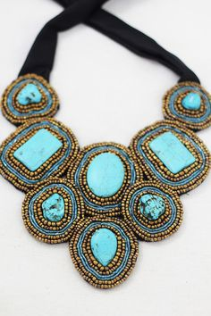 """statement"" necklace"