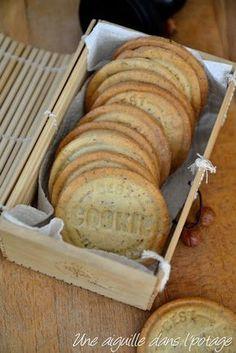 Sablé noisette Desserts With Biscuits, No Cook Desserts, Mini Desserts, Just Desserts, French Desserts, French Food, Plated Desserts, Bolacha Cookies, Galletas Cookies