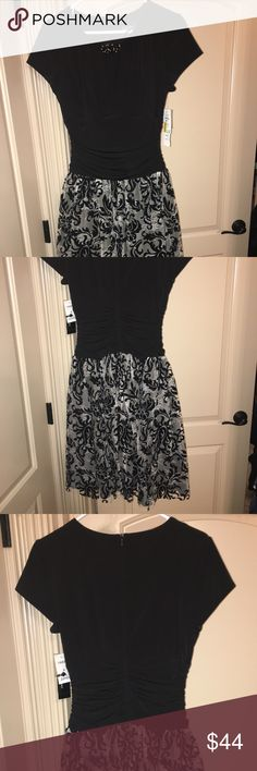 Brand new dress! I have a brand new dress it's beautiful! Can be worn to any special occasion. SL Fashions Dresses Midi