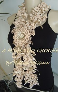 A MAGIA DO CROCHÊ: Cachecol Monique Gorgeous crocheted floral scarves