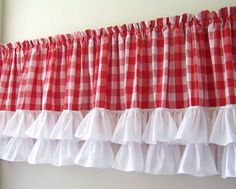 Ruffled Valance with Red & White Gingham Checks w/ White Curtains Red Kitchen Curtains, Cafe Curtains, Diy Curtains, Gingham Curtains, White Valance, Cortinas Country, Rideaux Design, Red Cottage, Shabby Chic Living Room
