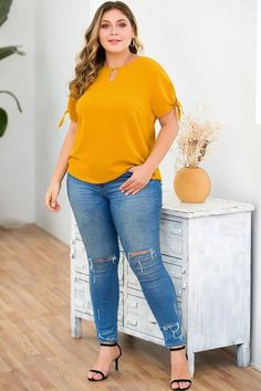 Plus Size Knotted Sleeves Top - Knotted Sleeves Top – Lolgals - Curvy Outfits, Grunge Outfits, Plus Size Outfits, Cool Outfits, Fashion Outfits, Fashion Tips, Fashion Pants, Fashion Ideas, Hipster Grunge