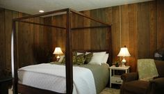 Circular Sawn Cedar looks great as an accent wall! Interior Walls, Interior Design, Cedar Boards, Cedar Siding, Reclaimed Lumber, Natural Homes, Rustic Interiors, Bed, Room