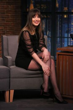 The most charming women! ❤️❤️❤️Dakota at Late Night with Seth Meyers (Jan. 31st.) Cr. @DakotaJLife Twitter