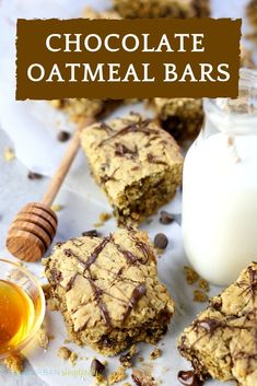 Make these Easy Chocolate Oatmeal Bars for breakfast! This recipe requires one bowl and own pan - is delicious and healthy with no processed sugar and whole grains! Everyone loves these bars! Fudge Recipes, Best Dessert Recipes, Cookie Recipes, Snack Recipes, Easy Recipes, Cheap Recipes, Popular Recipes, Recipes Dinner, Drink Recipes