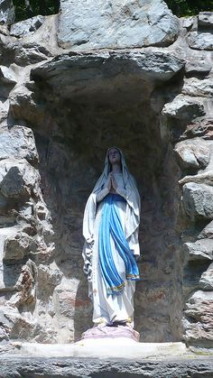 grotto lourdes emmitsburg   Grotto of Our Lady of Lourdes Mount St. Mary's University, Emmitsburg ...