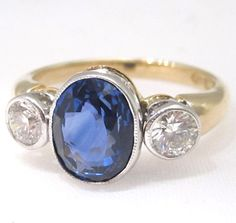 Ceylond sapphire and diamond engagement ring