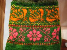 These images are from a small textile museum on the island of Muhu in Estonia. Knit Mittens, Mitten Gloves, Knitting Socks, Hand Knitting, Knitting Charts, Knitting Stitches, Knitting Patterns, Contemporary Decorative Art, Textile Museum