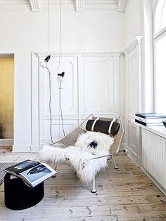 Home of a textile designer - via cocolapinedesign.com