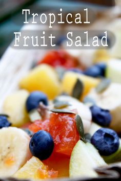 Healthy tropical fruitt salad for summer days! Recipe on the blog -> click the image to make this recipe.