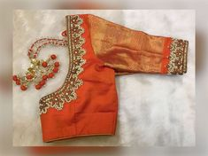 Blouse Back Neck Designs, Chudi Neck Designs, Best Blouse Designs, Wedding Saree Blouse Designs, Hand Designs, Latest Saree Blouse, Lehenga Blouse, Churidar Neck Designs, Hand Work Blouse
