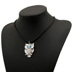 HOOT. HOOTRetro Women's Rhinestone Owl Shape Design Necklace