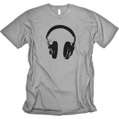 Perfect T-shirt for Producers and DeeJays. Cool Tees, Cool Shirts, T Shorts, T Shirt World, Music Headphones, How To Look Handsome, Tee Design, Mens Tees, Funny Tshirts