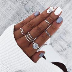 Nails Trendy Nail Colors That Women Can't Miss Red Acrylic Nails, Acrylic Nail Designs, Nail Art Designs, Nail Designs For Fall, Nail Ideas For Fall, White Shellac Nails, Red Nail, White Nail, Make Up Inspiration