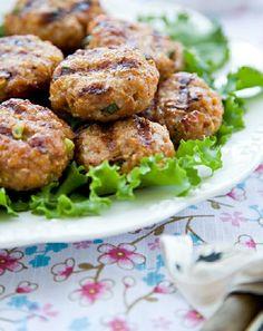 Low FODMAP and Gluten Free -Italian pork patties with potato wedges   http://www.ibssano.com/pork_patties.html