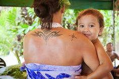 The Polynesian culture comes to life with workshops by Tupuna Kultur. Family Destinations, Polynesian Culture, Tahiti, Need To Know, Islands, Life, Culture, Island, Family Travel