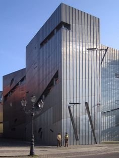 Contemporary Architecture - The History of Architecture - The Art . Daniel Libeskind, Jewish Museum Berlin, Deconstructivism, Contemporary Architecture, Belgium, Places To See, Skyscraper, Multi Story Building, Germany