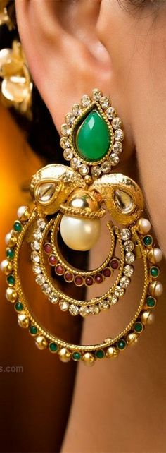 Totaram Jewelers Online Indian Gold Jewelry store to buy Gold Jewellery and Diamond Jewelry. Buy Indian Gold Jewellery like Gold Chains, Gold Pendants, Gold Rings, Gold bangles, Gold Kada Indian Accessories, Jewelry Accessories, Fashion Accessories, Jewelry Design, Fashion Jewelry, Designer Jewelry, Ethnic Jewelry, Indian Jewelry, Gold Jewelry