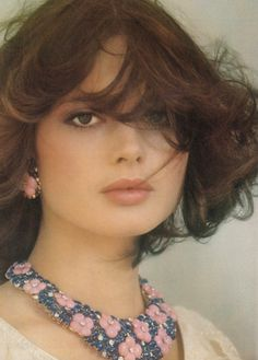 Gorgeous Isabella Rossellini. Photo by Fabrizio Ferri for UK Vogue, 1975. Love her jewelry and hair!