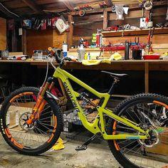 Enduro Jesus @marshall_eames new Santa Cruz Hightower LT ready to shred. #iRideENVE #BuiltwithENVE #iRideENVE #ENVEComposites #Cycling #CarbonWheels #MountainBike #HandbuiltBikes #BikePorn
