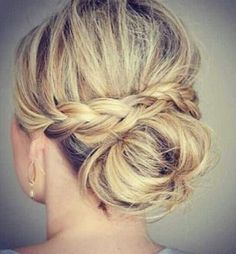 Wedding Magazine - Hair hacks: how to get the perfect bun or top knot