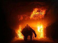 Los que deciden ser bomberos son un tipo de persona muy especial. - See more at: http://circoviral.com/respeto-bomberos/#sthash.Uc3a2zq1.dpuf