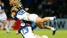 Marjorie Mayans and Elodie Poublan of France tackle Benele Makwezela Rugby Memes, Sports Memes, Rugby Jersey Design, Rugby Feminin, Rugby Girls, Nz All Blacks, Wigan Athletic, Womens Rugby, Sports