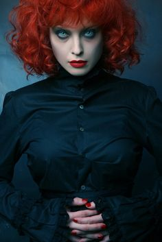Unforgettably intriguing. #redhead #goth #gothic Halloween #witch #beautiful