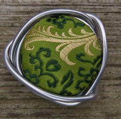 Green Silk Brocade. Silk. Loopster. von seidenhase auf Etsy