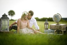 Vintage travel themed engagement session by aislinnkate.com