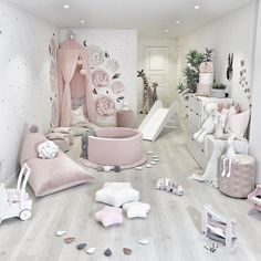 Best Ideas For Home Decor Baby Room Decor Ideas - How do you paint a room? Baby Room Decor Ideas - How can I decorate my bedroom? Kids Room Design, Nursery Design, Nursery Wall Decor, Baby Room Decor, Nursery Room, Room Decor Bedroom, Girl Nursery, Nursery Ideas, Bedroom Ideas